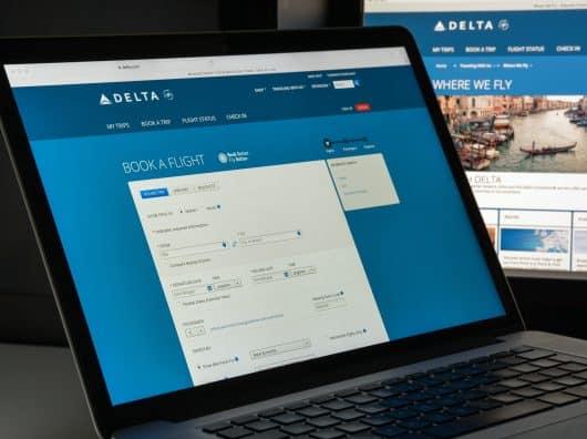Comment varie le prix d'un billet d'avion en fonction des classes de réservation et classes tarifaires ?