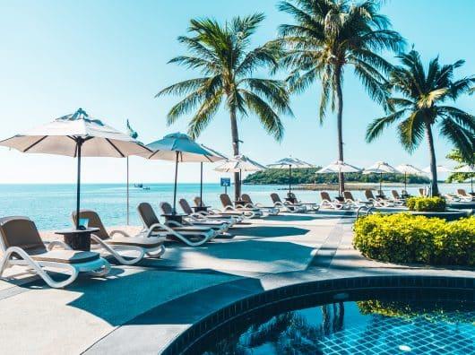 """Les """"resort fees"""" : la plaie de l'hôtellerie, entre arnaque et insulte à l'expérience client"""