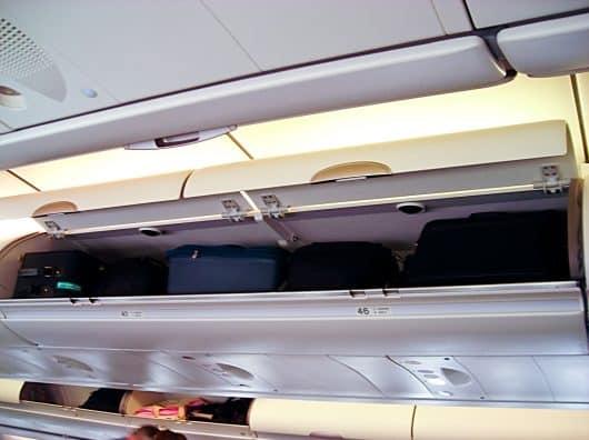 Pourquoi les compagnies aériennes changent-elles leurs coffres à bagages ?