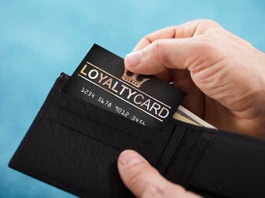 Dévaluation : pourquoi vos programmes de fidélité vous en donnent ils toujours moins ?