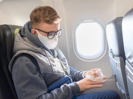 L'air dans un avion est il propice aux virus et aux microbes ?